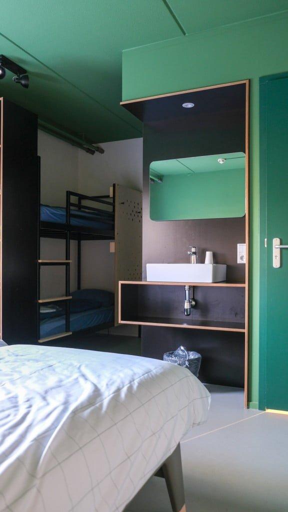 hostelkamer met stapelbed