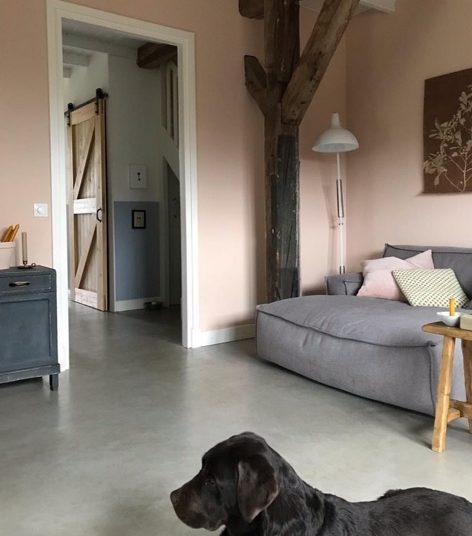 roze muur boerderij instagram