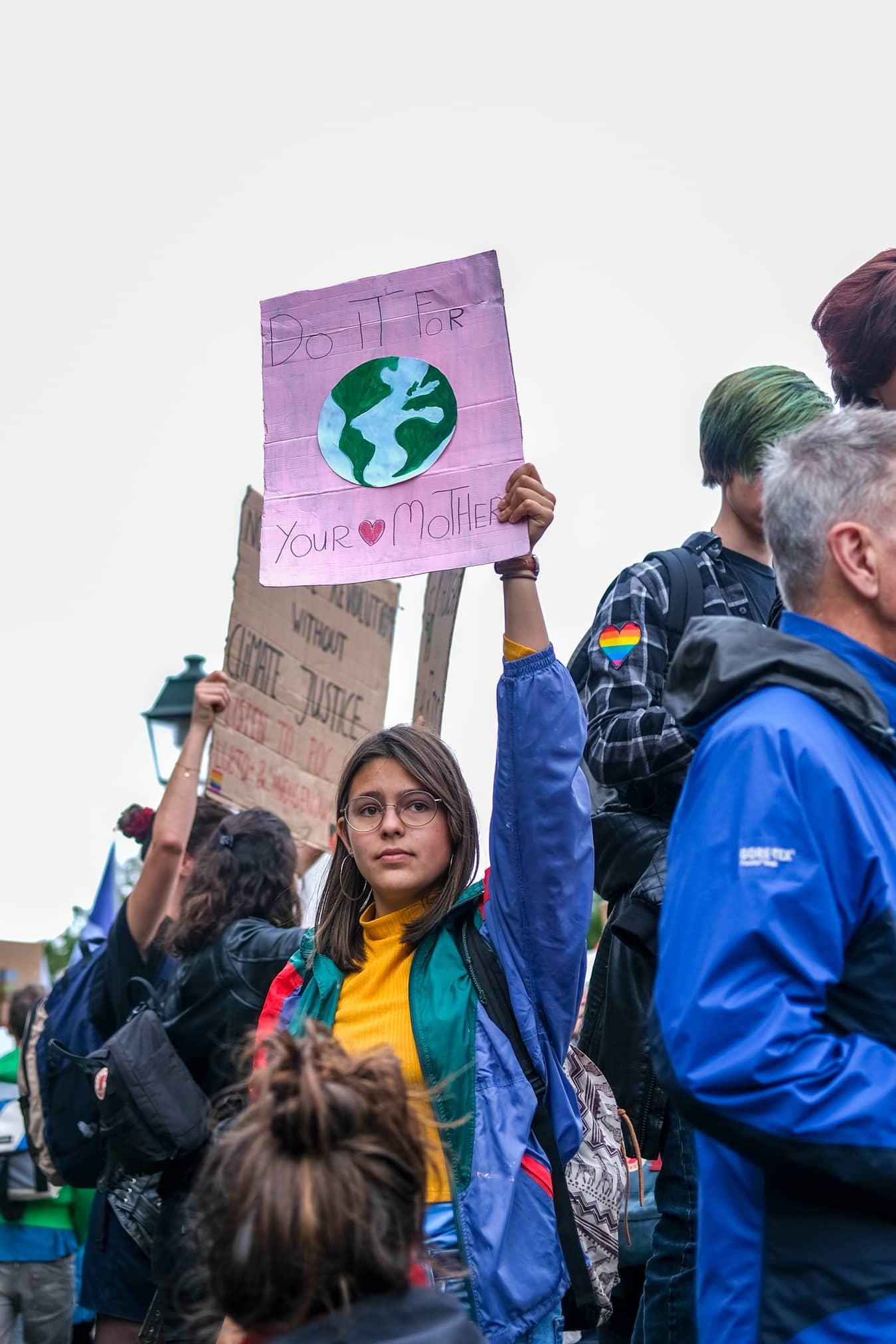 moeder aarde protestbord