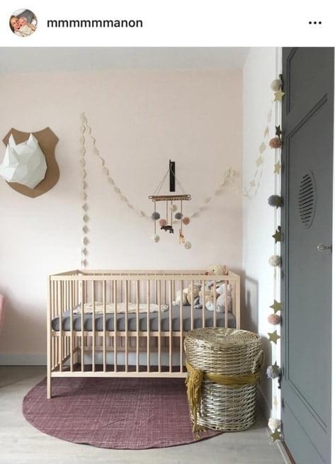 pastel roze babykamer