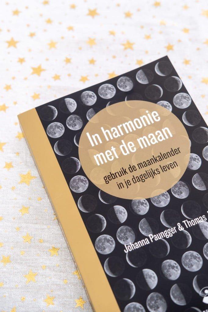 in harmonie met de maan boek review