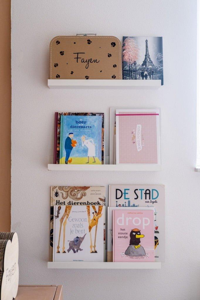 boekenplankjes kinderkamer meisje
