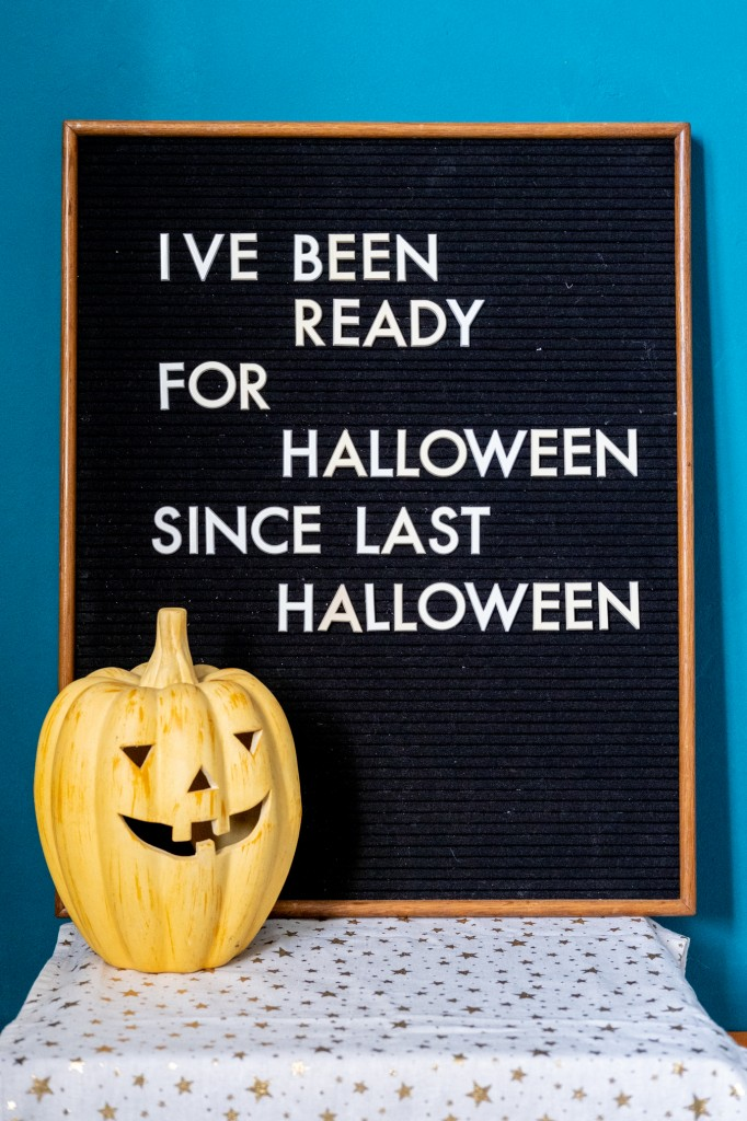 quotes halloween letterbord