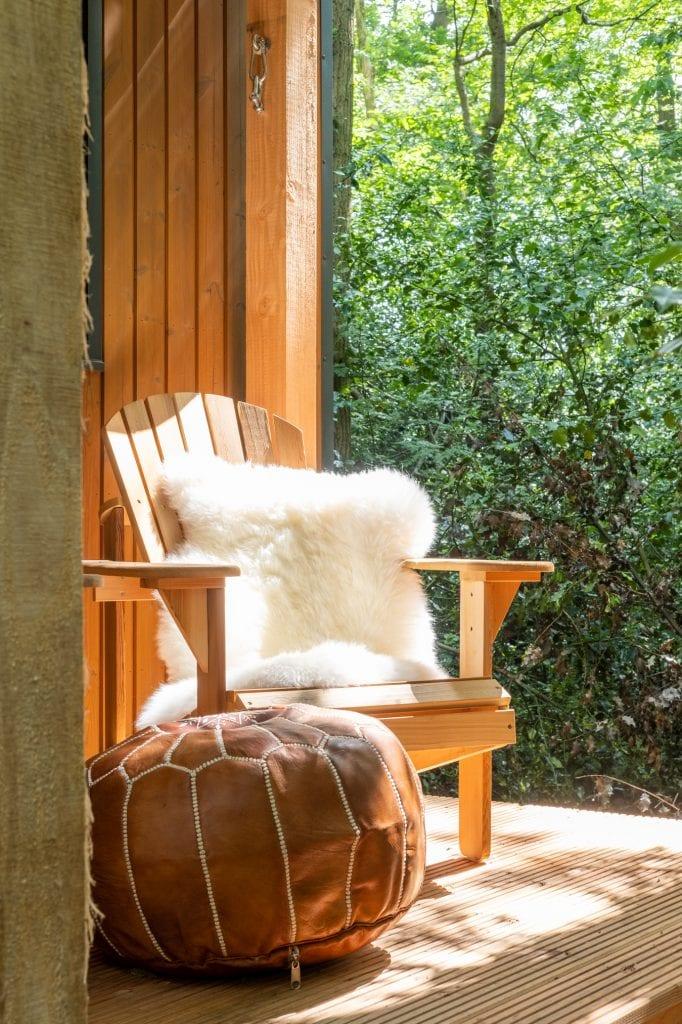 fanback chair op veranda