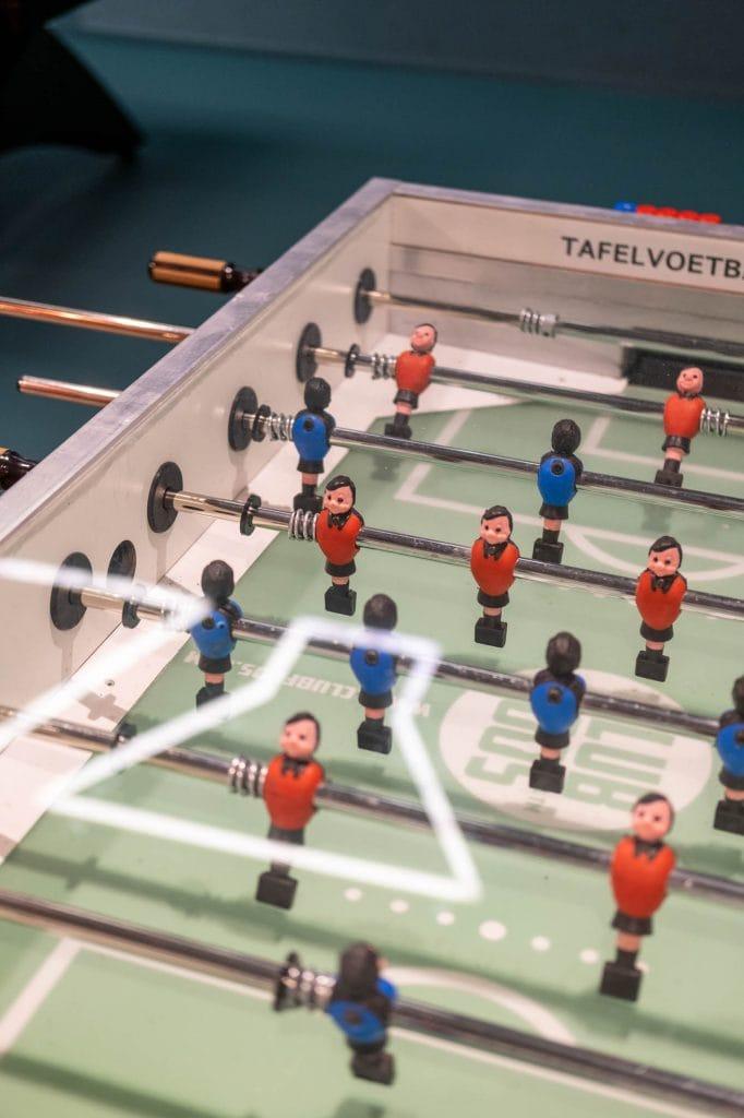 tafelvoetbal hotel jongeren