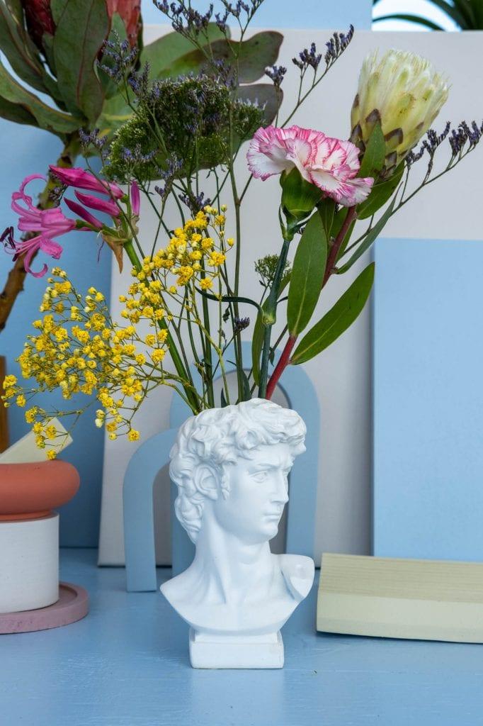 blauw bloemenvaasje buste